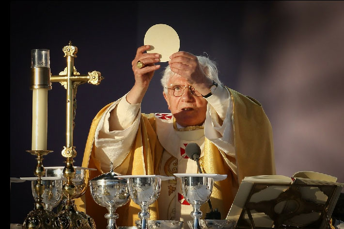 Pope Benedict XVI celebrates Mass in Scotland in 2010