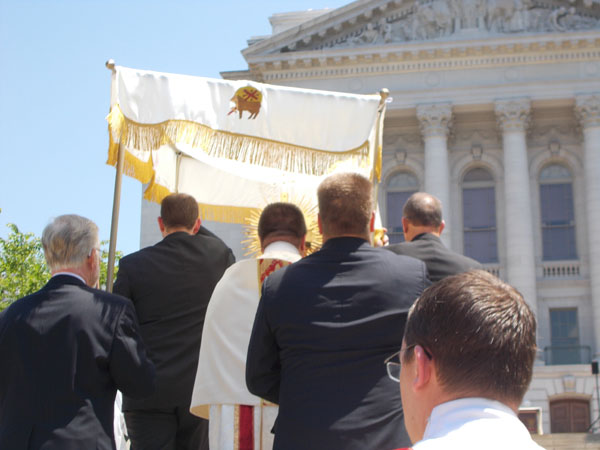 2012 Madison Corpus Christi Procession ascends the steps of the Capitol Building.