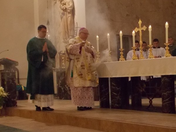BishopMorlinoIncensesAltaratbeginningofStevesDiaconalOrdinationMass