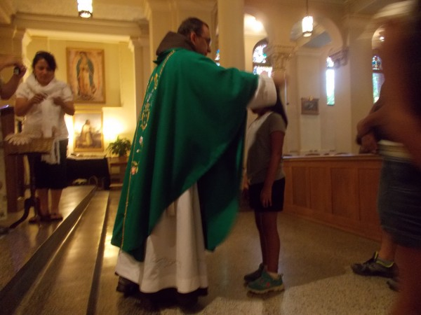 Leslie receives her Scapular too, una hija de la Virgen del Carmen!
